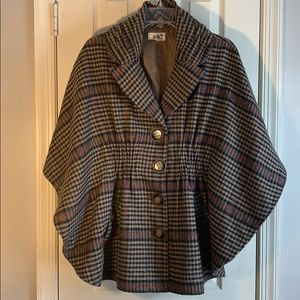 HP! 🍁Gorgeous Plaid Cape🍁